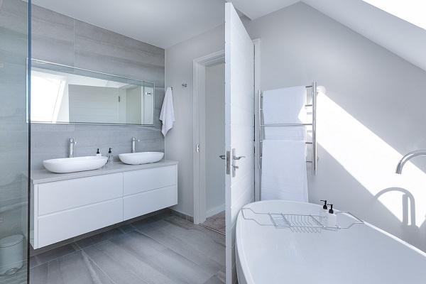 Decluttering the bathroom | GotProperty