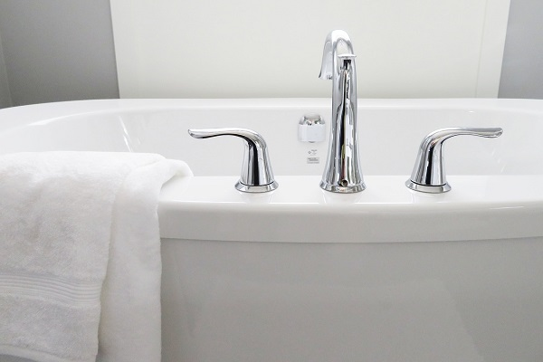 What to look for when buying a bathtub   GotProperty