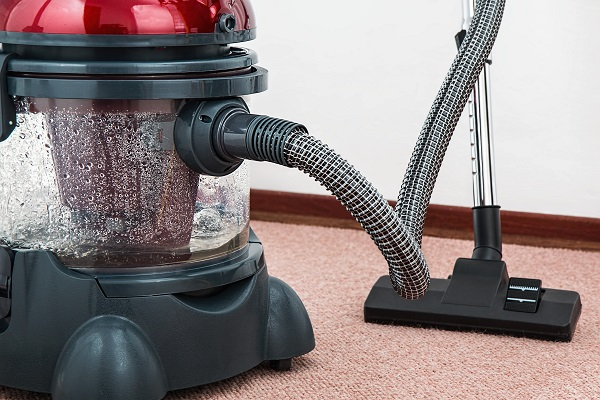 Remove stains from different kinds of carpets