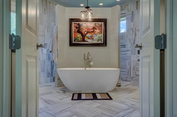 Free standing bathtub   GotProperty